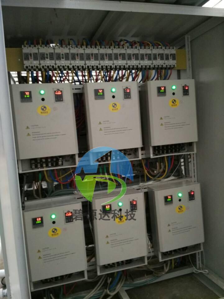 2,过压保护:当三相电源电压连续超过 450v 时,电磁加热器不工作